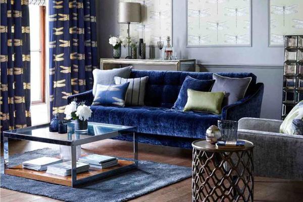 sofá azulado