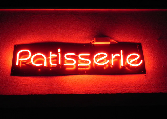 Patisserie Neón Luces