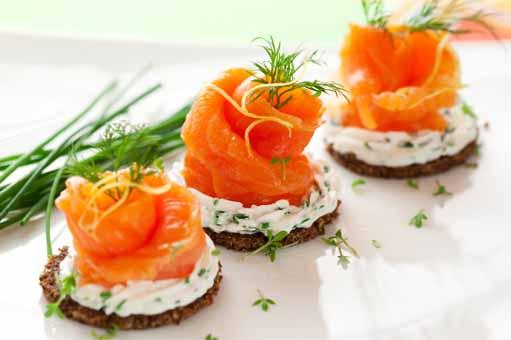 canapé de salmón y queso